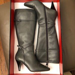 BCBG Ava Randall Calf Graphite leather boot 36.5